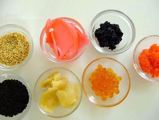 Sushi preparazione gourmetpedia for Decorazioni piatti gourmet